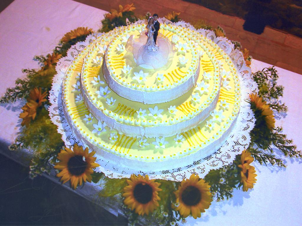 Torta Matrimonio Girasoli : Torta nuziale girasole migliore collezione inspiration